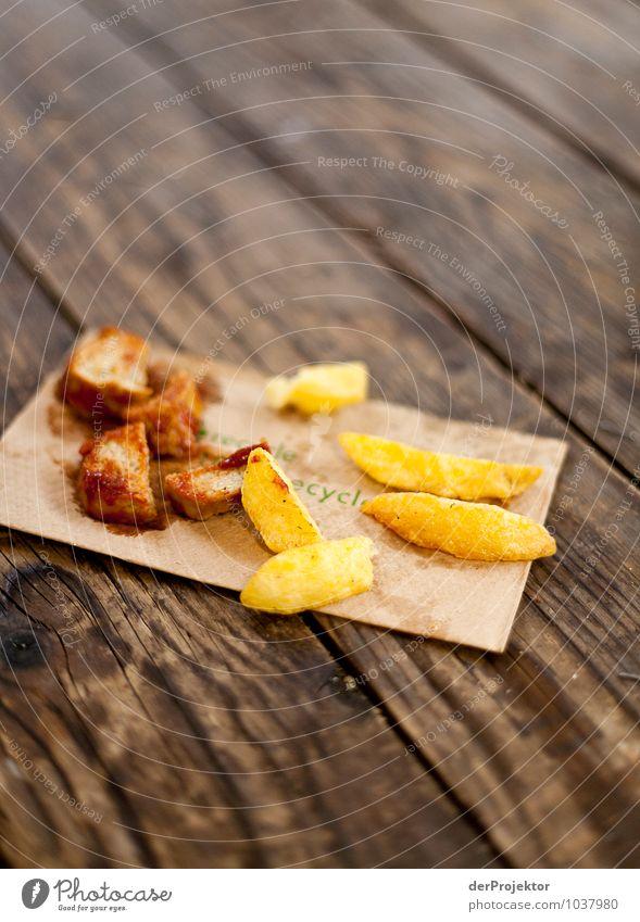 Lecker Essen auf Recycling-Serviette Lebensmittel Fleisch Wurstwaren Ernährung Mittagessen Geschäftsessen Bioprodukte Fastfood Lifestyle Reichtum Gesundheit alt