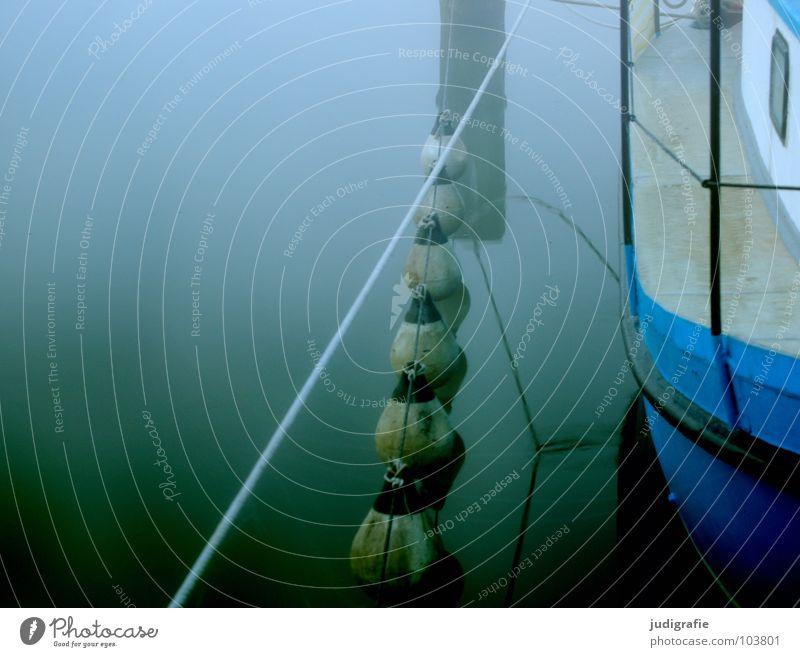 Morgens Natur Wasser blau ruhig Einsamkeit See Landschaft Wasserfahrzeug Stimmung Küste Nebel Seil Hafen Steg Anlegestelle Segel