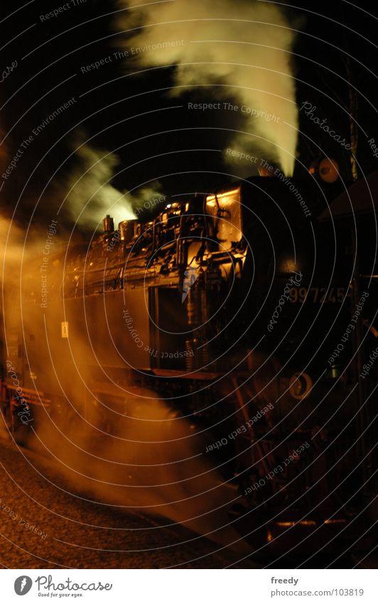 Brockenbahn Dampflokomotive Lokomotive Nacht Verkehr Bruchstück Wasserdampf Rauch Schierke Harz