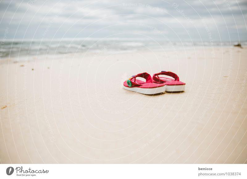 Life is a Beach Flipflops Sonne Strand Sand Meer Küste Asien Bali Indonesien Ferien & Urlaub & Reisen Sandale rosa Menschenleer Reisefotografie Sommerurlaub