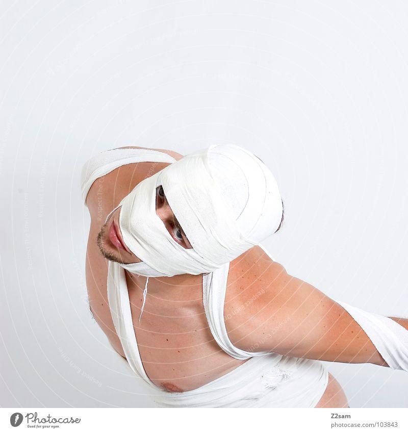 """""""Die Mumie"""" II konserviert Schleier geheimnisvoll mystisch gefährlich böse außergewöhnlich Mann Oberkörper Bart Auferstehung verrenken Todesblick Körperspannung"""