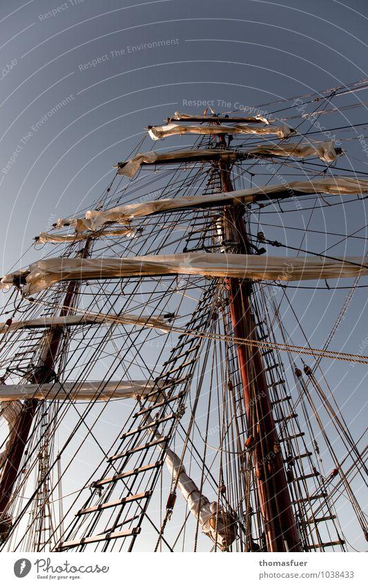 hoch hinaus und weit weg Ferien & Urlaub & Reisen Abenteuer Ferne Freiheit Kreuzfahrt Sommer Meer Himmel Wolkenloser Himmel Schönes Wetter Sehenswürdigkeit
