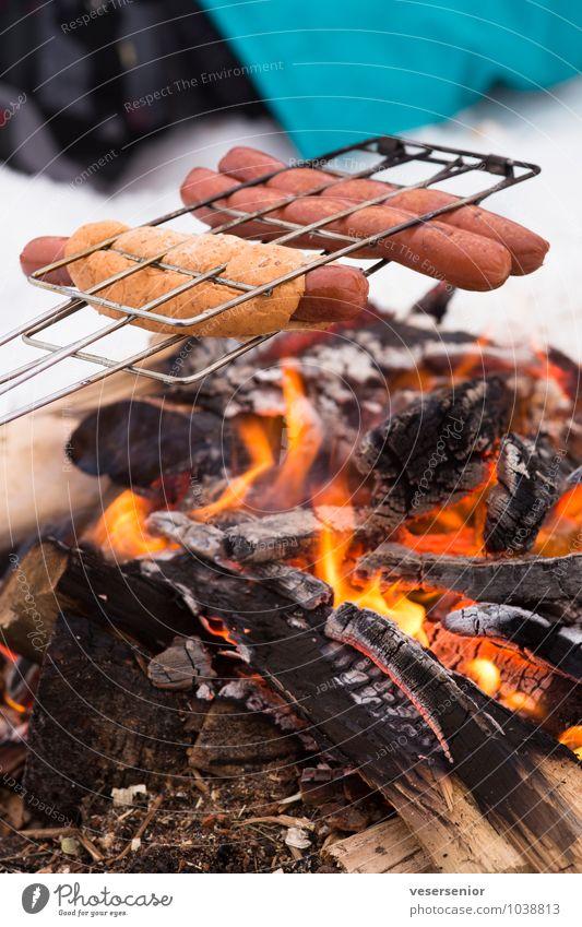 grillfreuden Wurstwaren Brötchen Picknick Ausflug Winter Winterurlaub einfach heiß lecker Freude Lebensfreude Vorfreude Warmherzigkeit Gastfreundschaft