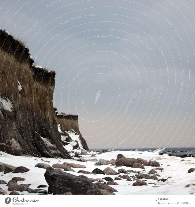 Steilküste / Ostsee Umwelt Natur Landschaft Urelemente Sand Wasser Wolkenloser Himmel Winter Wetter Schönes Wetter Eis Frost Schnee Gras Felsen Klippe Strand