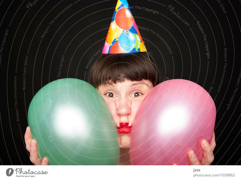 Partymuffel -400- Mensch Frau Einsamkeit Freude Erwachsene lustig Feste & Feiern rosa Geburtstag verrückt Neugier Luftballon Silvester u. Neujahr Überraschung