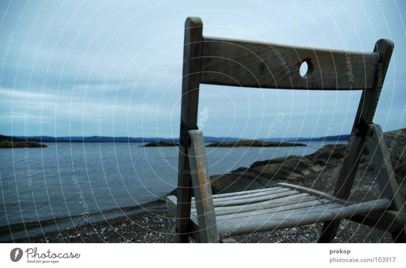 Walhalla Wasser Himmel Meer Strand ruhig Wolken Einsamkeit kalt Erholung Holz grau Denken warten Horizont Felsen sitzen