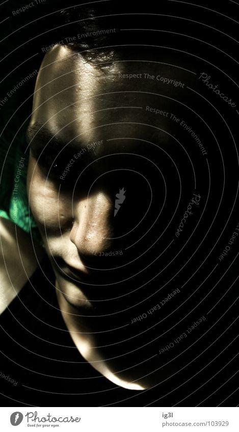 in der schwebe Mensch Mann grün rot Einsamkeit schwarz Gesicht dunkel Traurigkeit Gefühle träumen Hintergrundbild fliegen Angst Kraft Zufriedenheit
