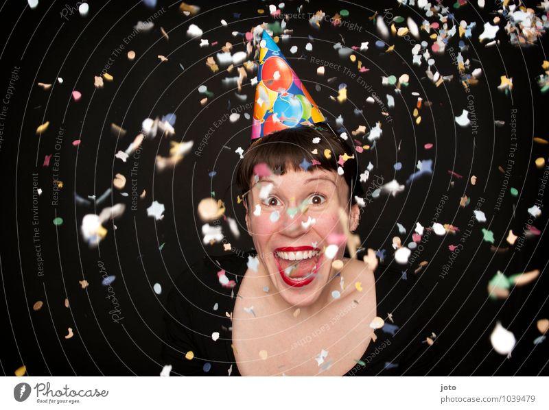 Helau! Nachtleben Party Feste & Feiern Karneval Silvester u. Neujahr Geburtstag Mensch Junge Frau Jugendliche Hut lachen schreien werfen frech frei Glück