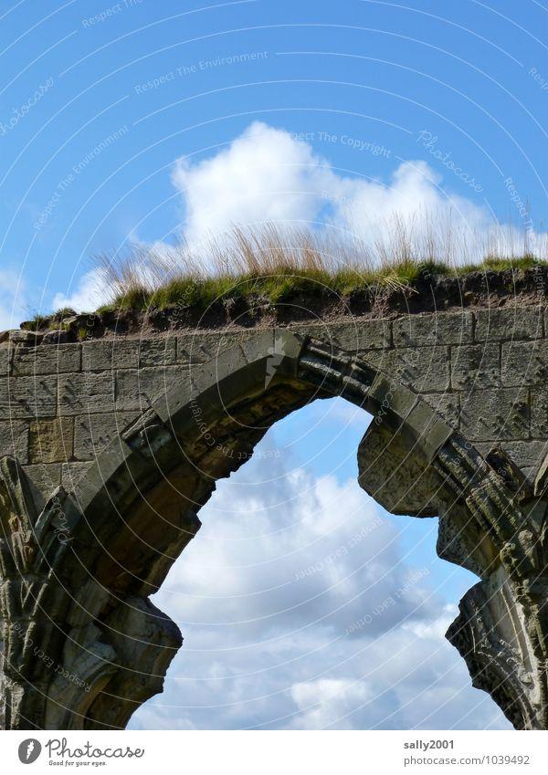 retro | es war einmal... Wolken Schönes Wetter Gras Moos Kirche Burg oder Schloss Ruine Brücke Bauwerk Mauer Wand Stein alt Wachstum eckig historisch kaputt