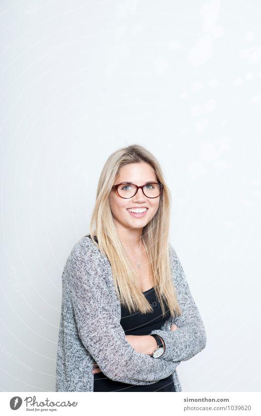 Portrait Mensch Erholung Freude feminin Stil Haare & Frisuren Lifestyle Business Zufriedenheit Erfolg Perspektive planen Bildung Student Leidenschaft Dienstleistungsgewerbe