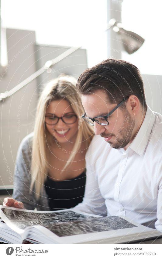 Inspiration Mensch Freude sprechen Glück Familie & Verwandtschaft Business Paar Freundschaft Erfolg lernen Studium planen lesen Team Zusammenhalt Bildung