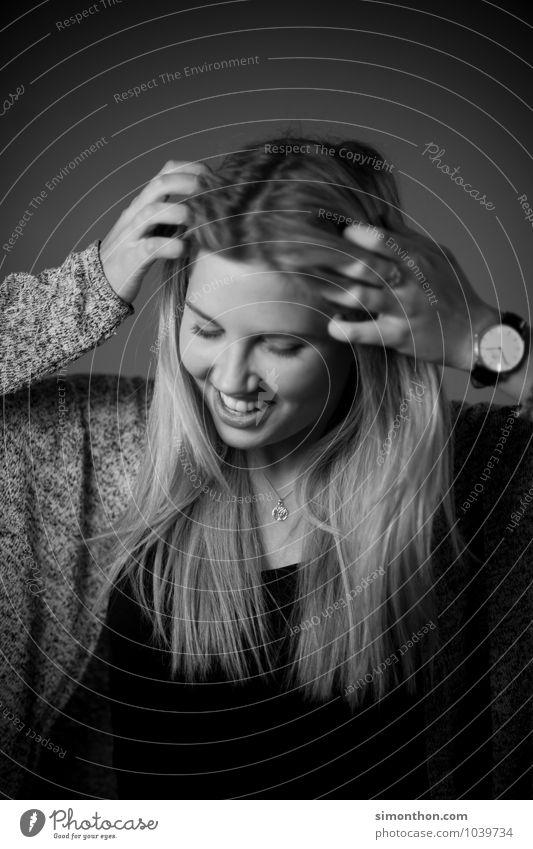 Haare Mensch schön Erholung ruhig Freude Leben Gefühle feminin Stil Glück Haare & Frisuren Stimmung Zufriedenheit elegant Lebensfreude Warmherzigkeit