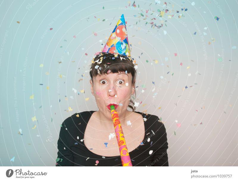 """konfettireihe """"coloured"""" Freude Glück Party Feste & Feiern Karneval Silvester u. Neujahr Geburtstag Mensch Junge Frau Jugendliche Bewegung werfen frech frei"""