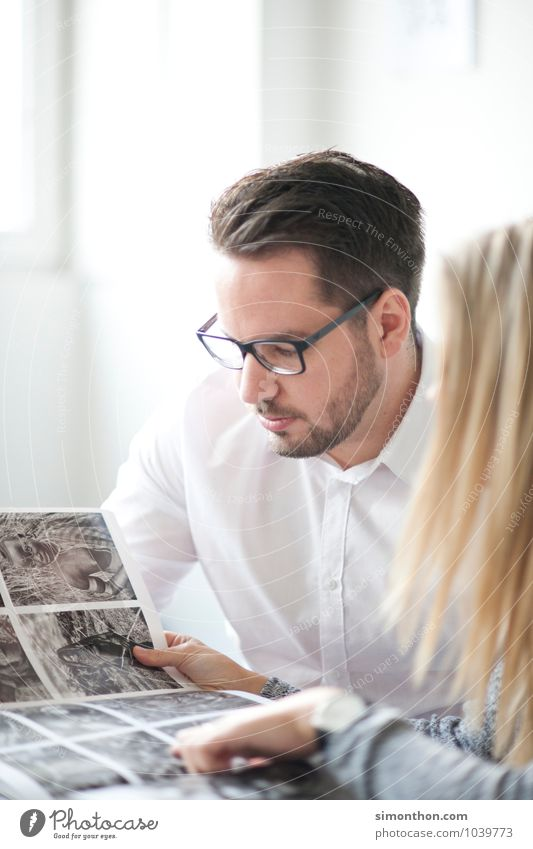 Job Bildung Schüler Berufsausbildung Azubi Praktikum Studium lernen Student Arbeitsplatz Büro Business Unternehmen Karriere Erfolg Sitzung sprechen Team