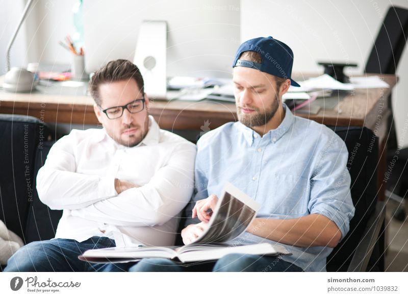 Freunde lesen Bildung lernen Praktikum Studium Student Prüfung & Examen Büro Business Karriere Team Freundschaft 2 Mensch Beratung kompetent Konkurrenz