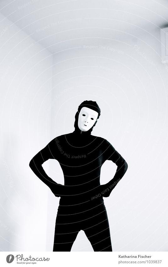 #1039837 maskulin feminin androgyn Mensch 18-30 Jahre Jugendliche Erwachsene 30-45 Jahre 45-60 Jahre Anzug Maske stehen schwarz weiß provokant bestimmt