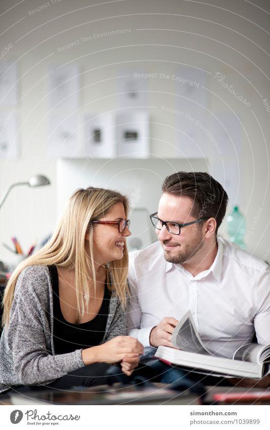 Verliebt Mensch Jugendliche Freude Leben sprechen Glück Paar Freundschaft Familie & Verwandtschaft Wohnung Business Erfolg Studium lernen Bildung Team