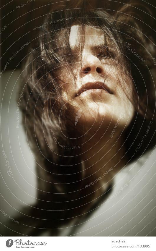 c'est moi ... Frau Denken Porträt Selbstportrait Konzentration ich Jugendliche Haare & Frisuren Gesicht Nase Mund Blick Wind Außenaufnahme verträumt