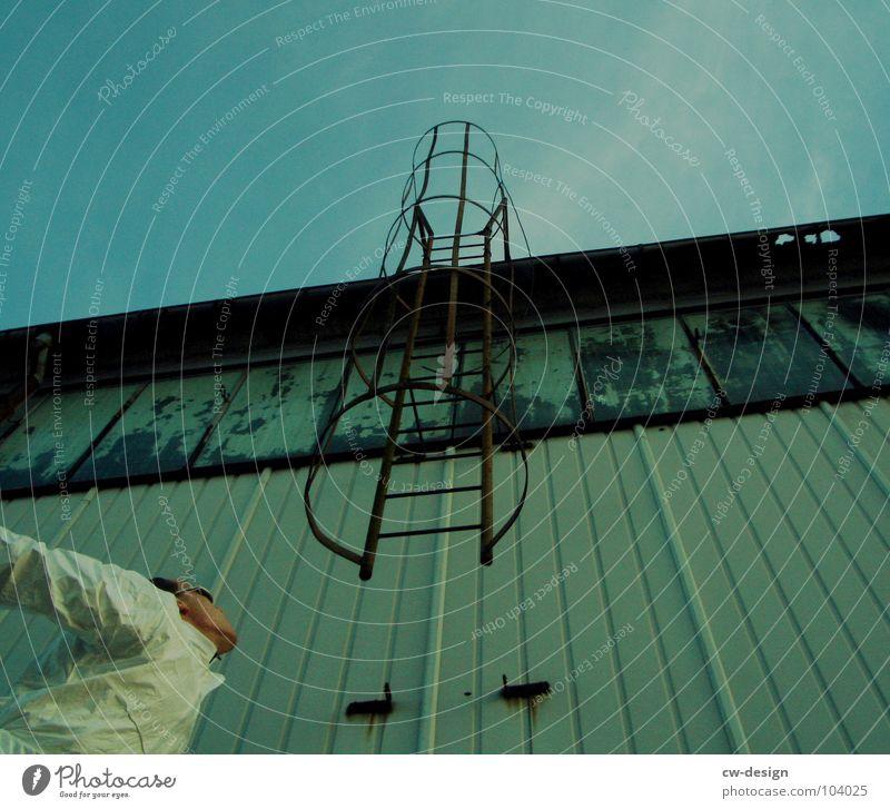 [b/w] völlig abgehoben Arbeitsanzug Quarantäne Labor Laborant Schutzanzug Anzug Sicherheit maskulin 2 Reflexion & Spiegelung wo Gelände Photo-Shooting