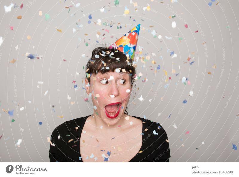 wtf Freude Glück Zufriedenheit Party Feste & Feiern Karneval Silvester u. Neujahr Geburtstag Mensch Junge Frau Jugendliche lachen werfen frech frei Fröhlichkeit