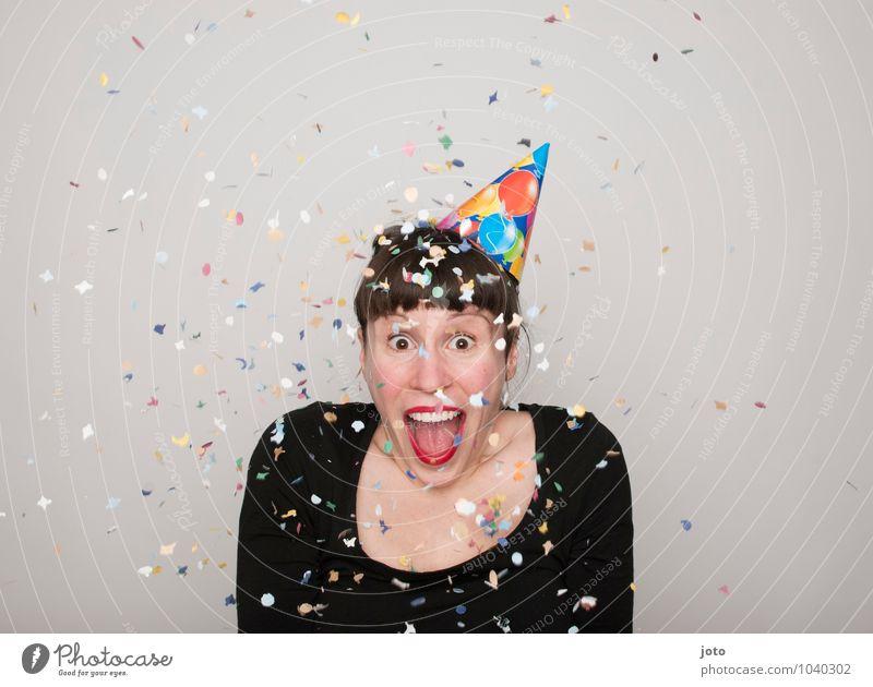omg Freude Glück Zufriedenheit Party Feste & Feiern Karneval Silvester u. Neujahr Geburtstag Mensch Junge Frau Jugendliche lachen werfen frech frei Fröhlichkeit