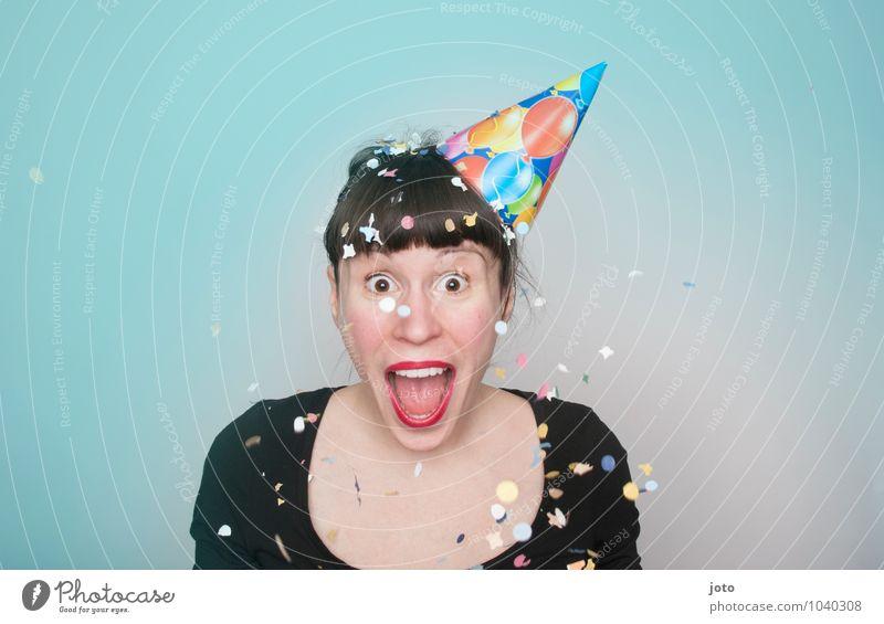 Alaaf! Freude Glück Zufriedenheit Party Feste & Feiern Karneval Silvester u. Neujahr Geburtstag Mensch Junge Frau Jugendliche Hut lachen schreien werfen frech
