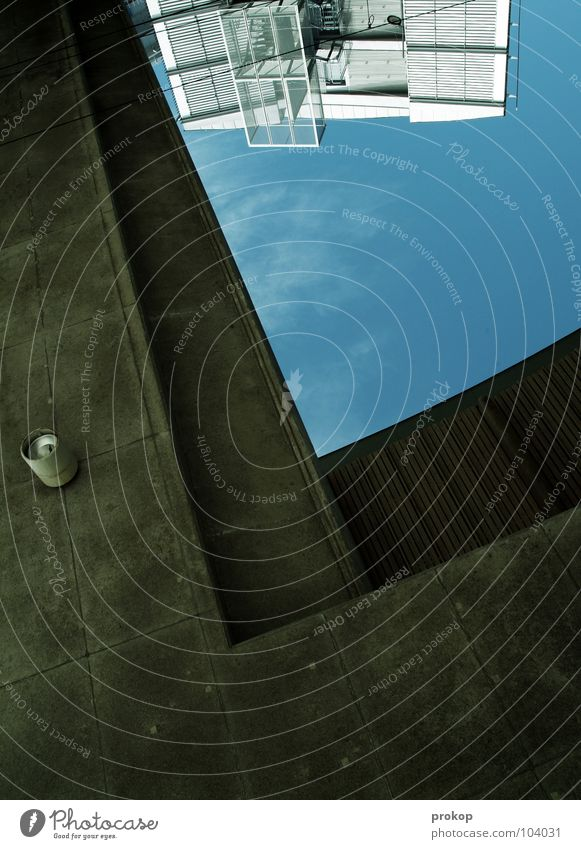 """""""L"""" wie ... Haus Beton l graphisch Geometrie Strukturen & Formen verkehrt Lampe Stahl industriell modern Detailaufnahme Himmel Schatten Kraft Niveau Linie"""