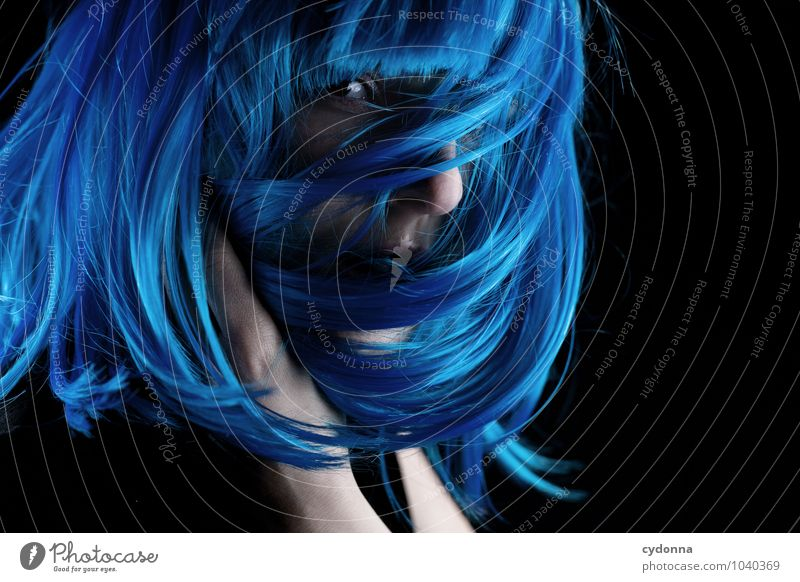 Blue Cover elegant Stil exotisch schön Karneval Mensch Junge Frau Jugendliche Leben 18-30 Jahre Erwachsene Haare & Frisuren langhaarig Perücke entdecken Farbe