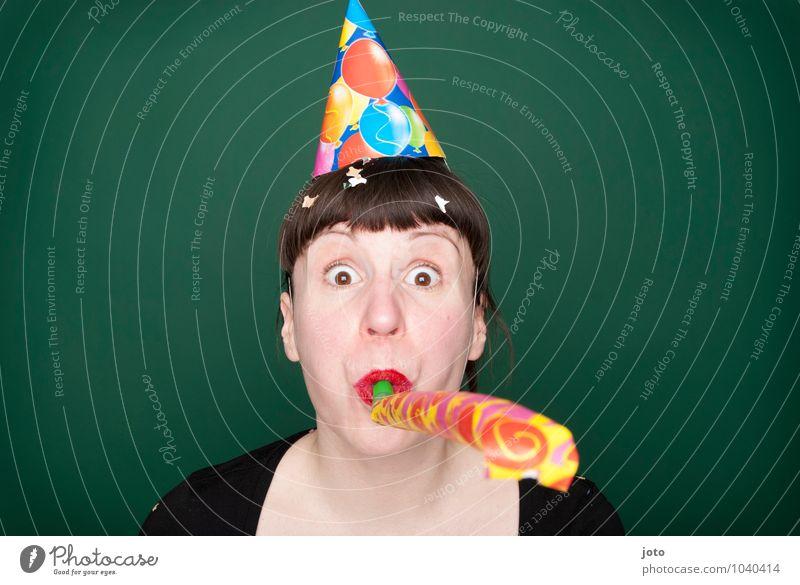 törööö II Mensch Jugendliche grün Junge Frau Freude lustig Glück Feste & Feiern Party Geburtstag frei Fröhlichkeit verrückt Lebensfreude Überraschung
