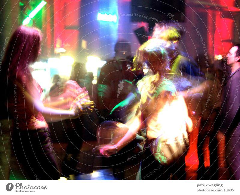 disconight Mensch Party Musik Lifestyle Disco Club Nachtleben clubbing