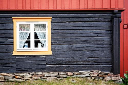 Røros Stadt alt schön Haus Fenster Architektur Gebäude Fassade Wohnung Häusliches Leben Idylle Fröhlichkeit Freundlichkeit Bauwerk Dorf Sehenswürdigkeit