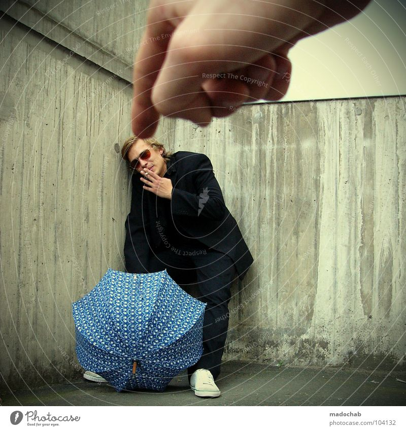 RAUCHVERBOT [K*LAB*] Mensch Mann Freude kalt sprechen Bewegung Stil lustig Freundschaft Arbeit & Erwerbstätigkeit Tanzen Angst maskulin mehrere Geschwindigkeit