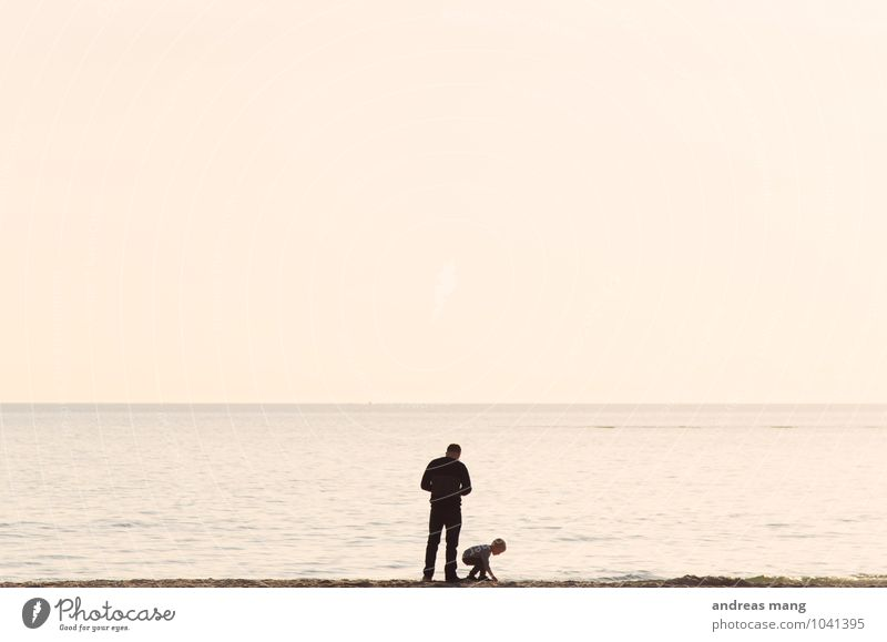 Die Welt entdecken Mensch Kind Ferien & Urlaub & Reisen Sommer Meer Strand Ferne Erwachsene Küste Glück Freiheit Zusammensein Familie & Verwandtschaft
