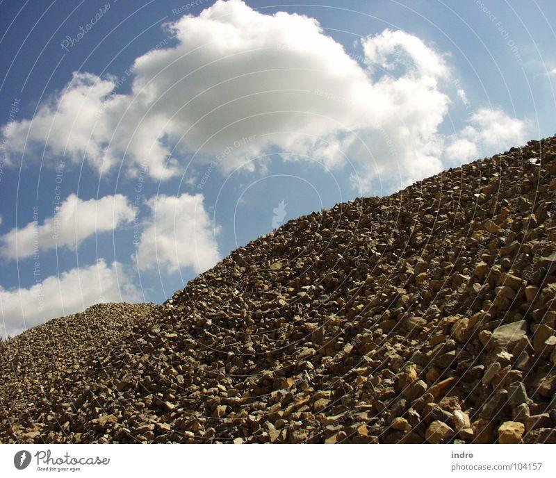Steinberge Steinbruch Wolken Halde Abraumhalden Landschaft Berge u. Gebirge Kontrast