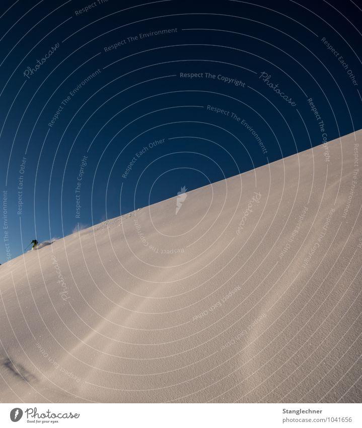 Lonely ride Freizeit & Hobby Sport Sportler Skier Umwelt Natur Himmel Wolkenloser Himmel Schönes Wetter Hügel Alpen Berge u. Gebirge sportlich blau weiß Gefühle