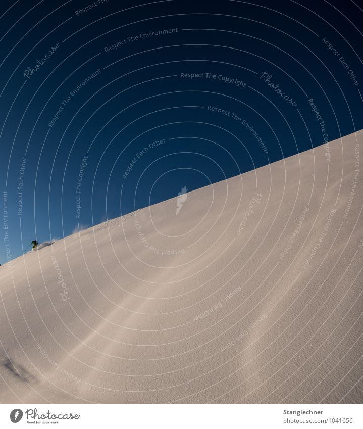 Lonely ride Himmel Natur blau weiß Einsamkeit Freude Umwelt Berge u. Gebirge Gefühle Sport Freizeit & Hobby Fröhlichkeit Schönes Wetter Hügel Alpen sportlich