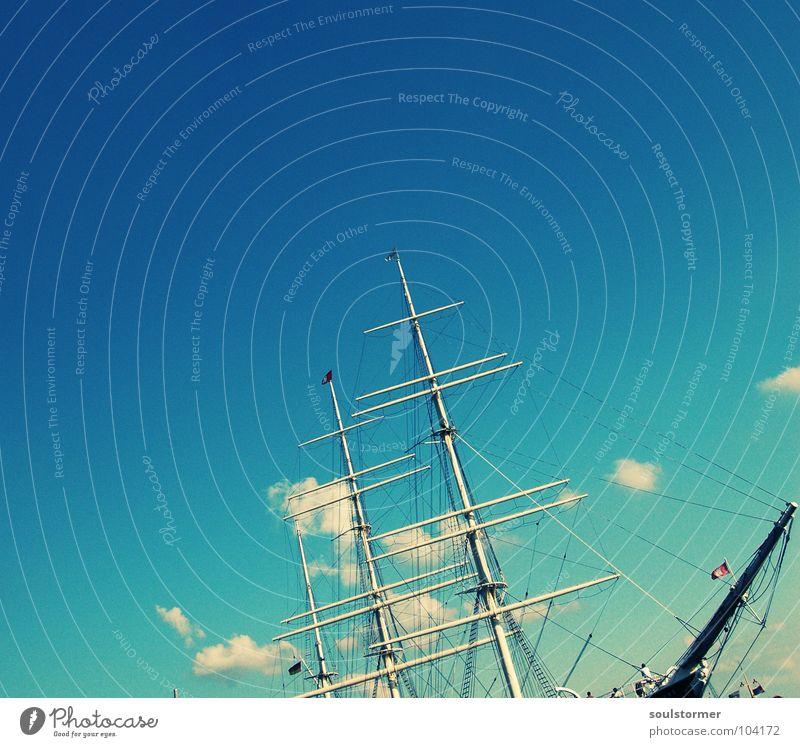 Schiff ahoi Himmel alt Wasser Meer Wolken Ferne Leben Freiheit Hafen Schifffahrt Strommast Segel Prima Segelschiff Hafenstadt