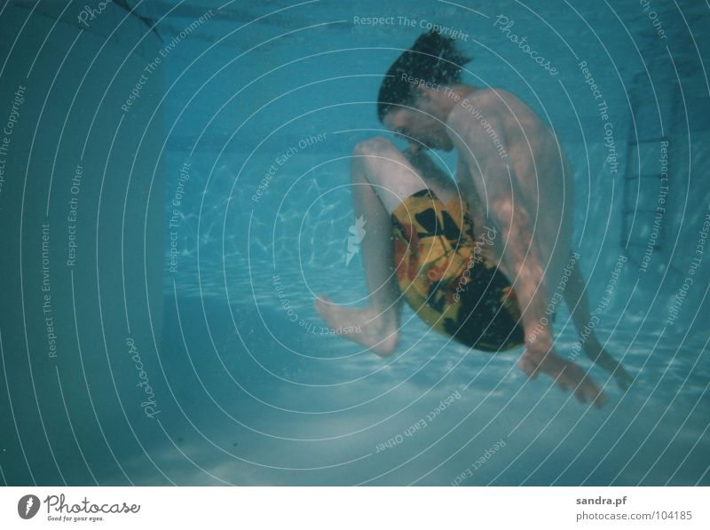 Wassermann II blau Wasser Spielen Luft Schwimmen & Baden Schwimmbad tauchen blasen Leiter atmen Luftblase hell-blau Unterwasseraufnahme