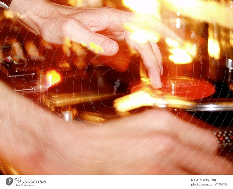 turntablerocker_3 Party Musik Lifestyle Disco Club Diskjockey Plattenspieler