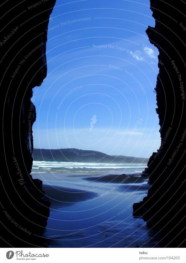 CAVE Wasser schön Sonne Strand Freiheit Küste Macht Eingang Fußspur Spuren mystisch Paradies Barfuß Ausgang Nachmittag Neuseeland