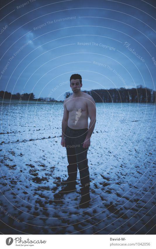 kalt | verlorene Wette Mensch Natur Jugendliche Mann Junger Mann Winter dunkel Erwachsene Wärme Leben Schnee Schneefall maskulin Eis Feld