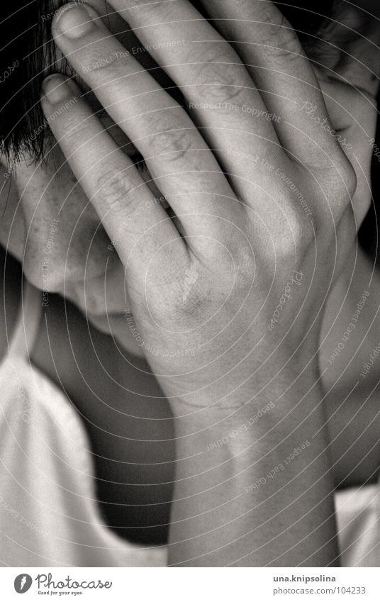 schmerz Frau Jugendliche Hand Erwachsene Gefühle Kopf Traurigkeit Angst Junge Frau 18-30 Jahre Trauer Schmerz verstecken Seele Verzweiflung weinen