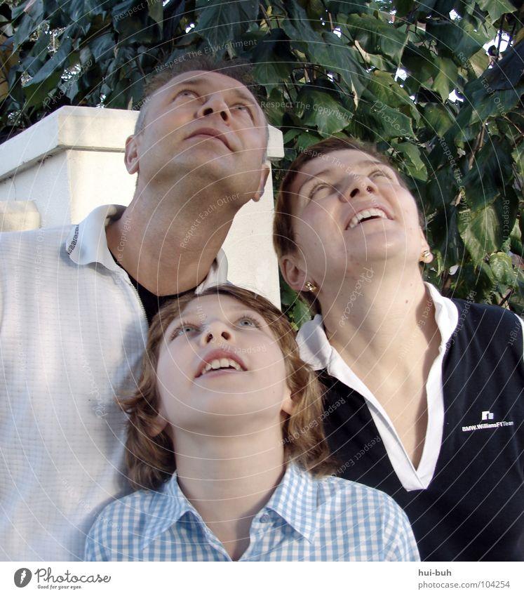 Alle mal herschaun !! Himmel Baum Freude Blatt Tier oben Menschengruppe lachen Familie & Verwandtschaft lustig Filmindustrie beobachten Baumkrone Wunder