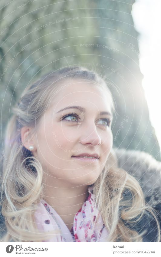 Zuversicht Mensch Frau Jugendliche schön Junge Frau 18-30 Jahre Erwachsene Gesicht Leben feminin Stil Glück Haare & Frisuren Kopf Lifestyle Zufriedenheit