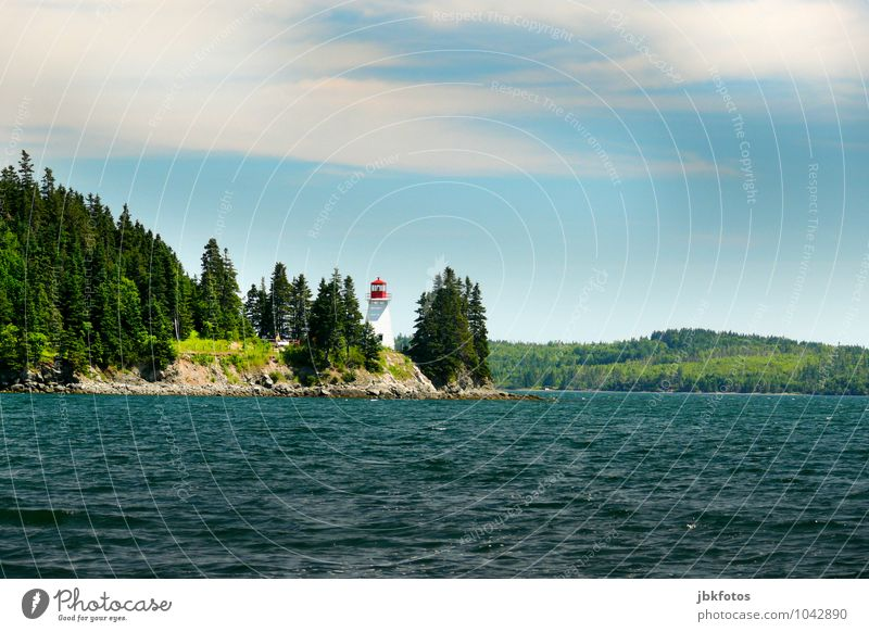 St. Peters, Cape Breton, lighthouse Umwelt Natur Landschaft Pflanze Urelemente Wasser Himmel Wolken Schönes Wetter Baum Park Wald Hügel Berge u. Gebirge Wellen