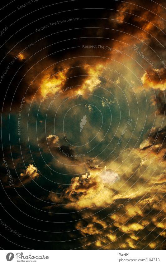 madness Himmel Sonne blau Wolken dunkel braun orange Wetter gefährlich bedrohlich Sturm Unwetter erleuchten bedecken schlechtes Wetter drohen