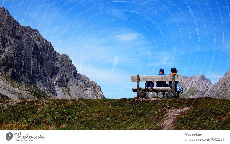 200 - und noch lange kein Gipfel in Sicht =) Mensch Frau Himmel Natur Mann blau grün weiß Sommer Landschaft Wolken Erwachsene Berge u. Gebirge feminin Gras grau