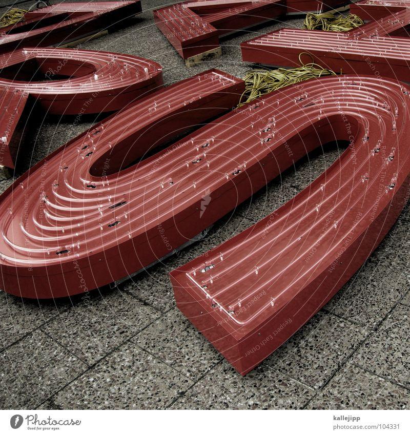 RAPS Schriftzeichen lernen Buchstaben Kabel Bürgersteig schreiben Schüler Typographie Plattenbau Alexanderplatz Leuchtreklame Lateinisches Alphabet Kabelsalat Stolperfalle
