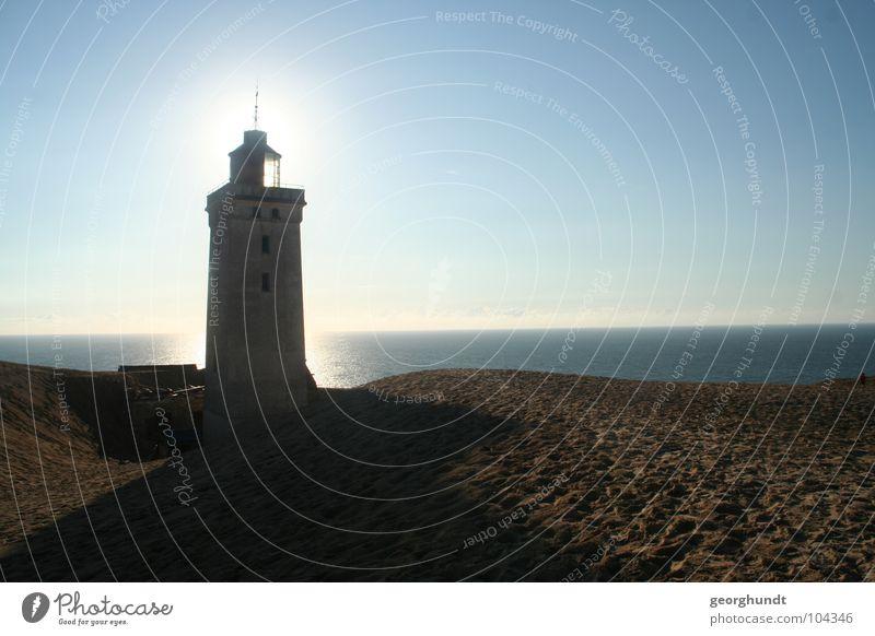 Leucht-Turm, Schein-bar Wasser Sonne Meer Strand Einsamkeit Lampe Berge u. Gebirge Traurigkeit See Sand Stimmung Küste Horizont Erde Trauer