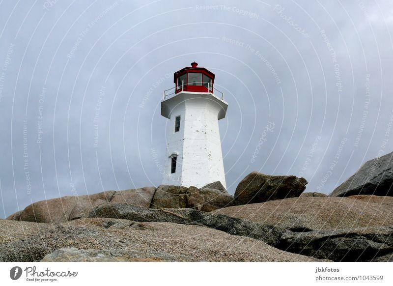 Peggy`s Cove lighthouse Umwelt Landschaft Urelemente Himmel Horizont Felsen Küste Seeufer Meer Atlantik hoch Leuchtturm peggy´s cove Sehenswürdigkeit Signal